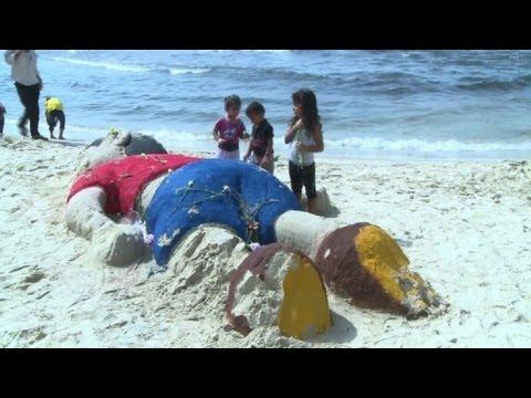 Gaza recuerda al niño Aylan en sus costas