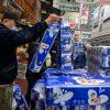 Desde hace unos diez días, encontrar papel higiénico se ha vuelto difícil en Hong Kong.  Foto: AFP