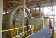 En el escenario más optimista, la minería generará 891 millones de dólares en tributos a Ecuador. Foto: Cortesía