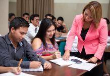 El Instituto Superior Universitario Bolivariano de Tecnología, considerado el más grande del país con aproximadamente 12.000 estudiantes inscritos a nivel nacional.