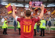 La única voz que acompaña las imágenes y vídeos del documental es precisamente la de Totti, el eterno capitán de Italia y de la Roma. Foto: @Totti