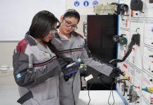 Los simuladores y las aplicaciones de realidad aumentada han contribuido al aprendizaje práctico de los estudiantes. Foto cortesía.