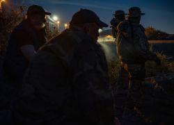 """Los miembros de la milicia dicen que patrullarán la frontera entre Estados Unidos y México cerca del Monte Christo Rey,""""Hasta que se construya el muro"""". Foto: AFP."""
