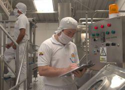 La Holandesa invirtió en una nueva planta para la producción de su yogurt. Foto cortesía