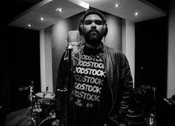 El vocalista de la banda, Juan Carlos Coronel.