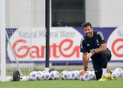 El guardameta italiano Gianluigi Buffon ha defendido la portería de un club en 917 ocasiones, a los que se suman los 176 encuentros disputados con la selección de Italia. Foto: @gianluigibuffon