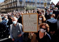 Miles de franceses se concentraron este domingo por todo el país bajo el grito