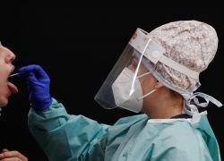 España sumó este lunes 37.889 nuevos casos de coronavirus desde el pasado viernes. Foto: EFE.