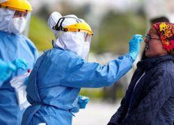 Quito sumó en el último día 1.048 nuevos casos de covid-19. Foto: EFE.