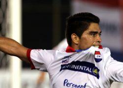 Fotografía de archivo, del jugador, Brian Montenegro, cuando jugaba en Nacional y que ahora hará parte del equipo ecuatoriano Independiente del Valle. Foto: EFE