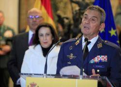 El general Miguel Ángel Villaroya, máximo mando militar del país, se vio obligado a dimitir. Foto: EFE