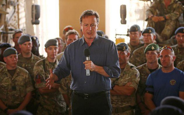 El primer ministro David Cameron junto a tropas británicas<br>en Afganistán. Foto: AFP / Dan Kitwood