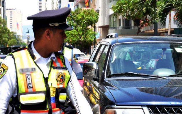1.300 vigilantes, cifra del 2013, controlan el tránsito en la ciudad. Foto: FLICKR/Comisión de Tránsito del Ecuador
