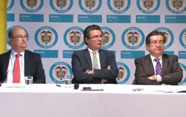 Autoridades colombianas informaron sobre el seguimiento de tres viajeros provenientes de África. Dos fueron descartados.
