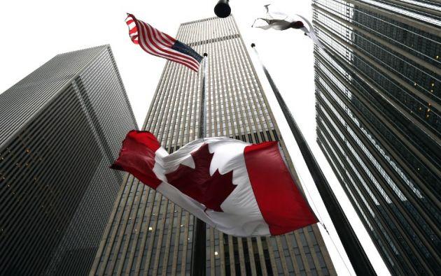 Las banderas permanecen a media asta en otras ciudades canadienses. Foto: AFP