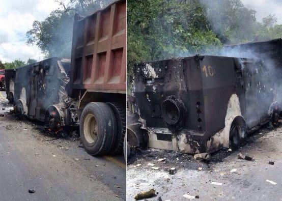 Dos vehículos de seguridad fueron incendiados. Fotos: FLICKR/Ministerio del Interior