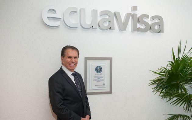 """El certificado Guinnes de """"Don Alfonso"""" cuelga de una de las paredes de Ecuavisa."""