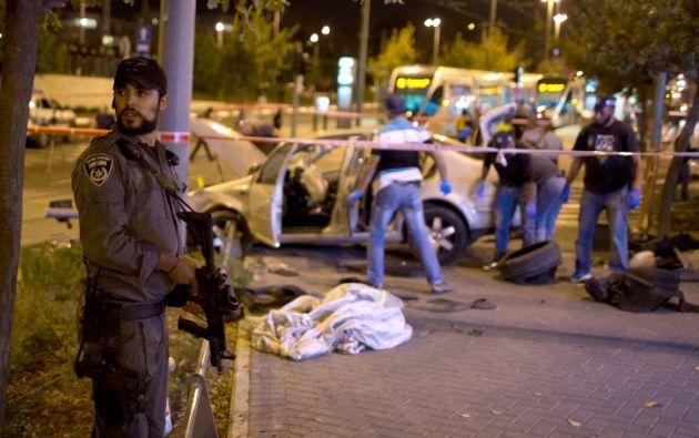El accidente dejó dos muertos y seis heridos. Foto: AFP