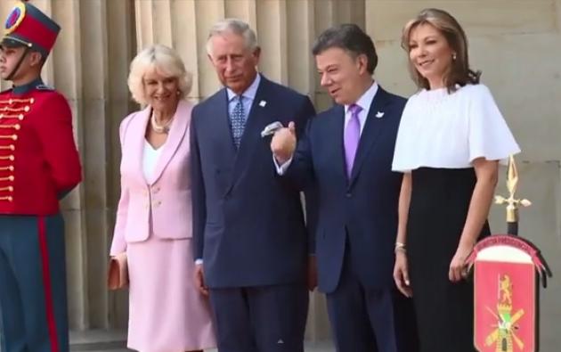 El príncipe Carlos y su esposa Camille en Colombia.