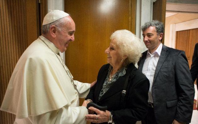 El papa Francisco recibió a Carlotto y a su nieto. Foto: AFP
