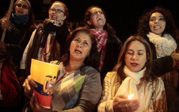 En la vigilia participó gente que está indignada por la situación. Foto: AFP