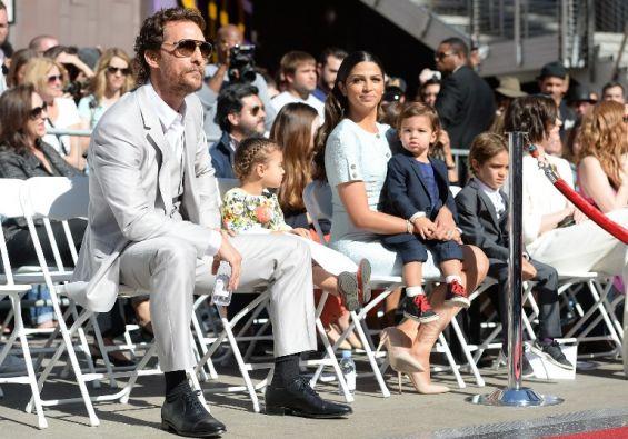 El actor junto a su familia durante el evento. Foto: AFP