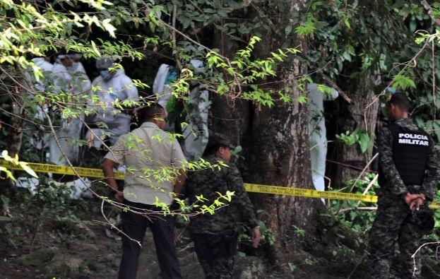 Los cuerpos de las jóvenes fueron encontrados cerca de un río. Foto: AFP