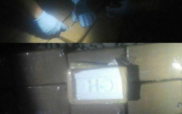 La policía incautó 240 ladrillos de cocaína.