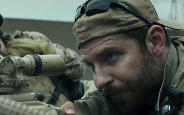 Bradley Cooper ha recibido críticas favorables por su interpretación. Nominado a mejor actor en los Oscar 2015.