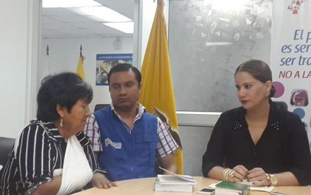 María Quiña en la Defensoría del Pueblo. Foto: Twitter / Defensoría Ecuador