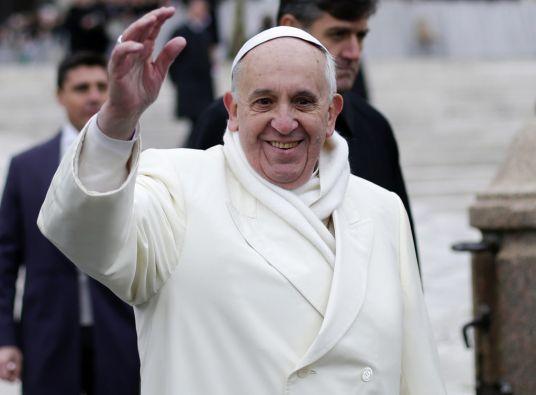 El papa declaró que la libertad de expresión tiene sus límites y que no se puede provocar ni ofender a la religión. Foto: REUTERS