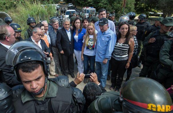 Elementos de la Guardia Nacional bloquearon el acceso a la cárcel de Ramo Verde. Foto: Federico Parra