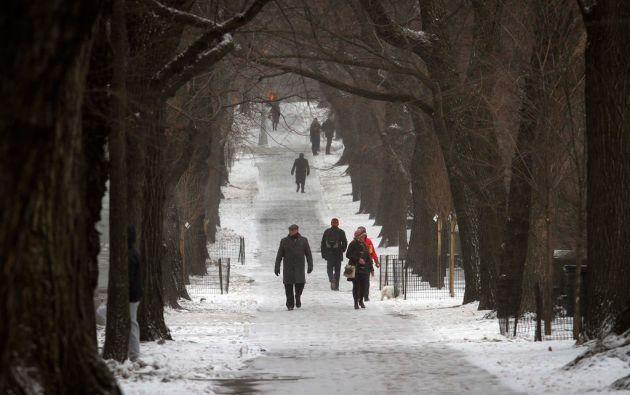 La nieve cubre los caminos del Central Park. Foto: REUTERS/Carlo Allegri