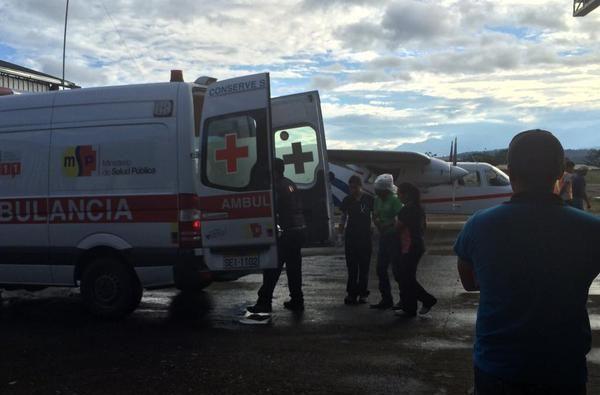 Heridos fueron traslados al hospital de Puyo. Foto: Twitter / DGAC