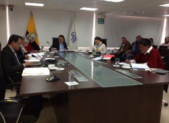 Los cinco miembros del CPCCS respaldaron la continuidad del procurador García. Foto: Twitter/Consejo de Participación Ciudadana