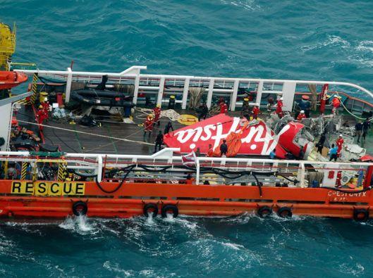 Hasta el monento se han rescatado 76 cuerpos de las 162 víctimas del accidente áereo. Foto: REUTERS