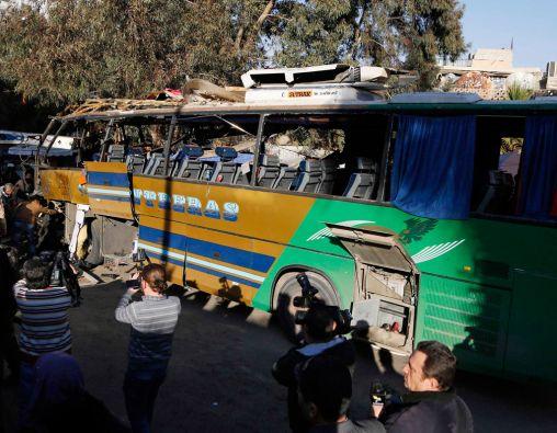 El autobús tenía matricula libanesa y en él viajaban visitantes de confesión chií. Foto: REUTERS