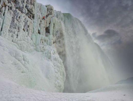 El canadiense escaló por la Cascada de la Herradura. Foto: Red Bull