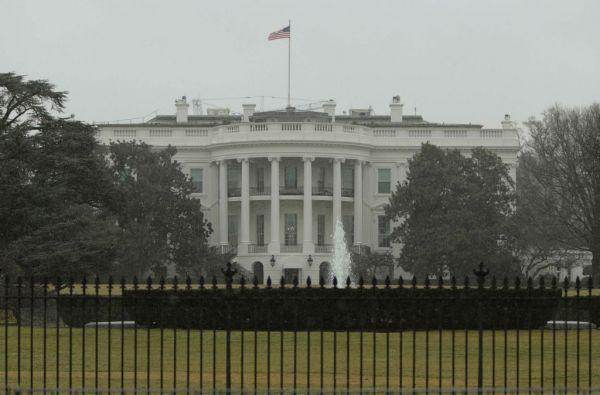 El paquete sospechoso mantuvo cerrada y en alerta durante una hora a la Casa Blanca. Foto: REUTERS