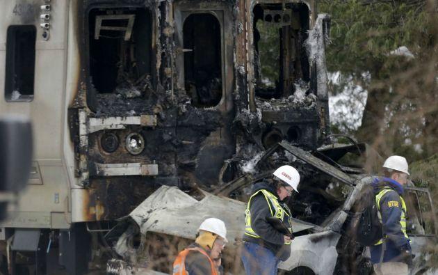 La colisión causó una explosión y un incendio en el primer vagón del tren. Foto: REUTERS