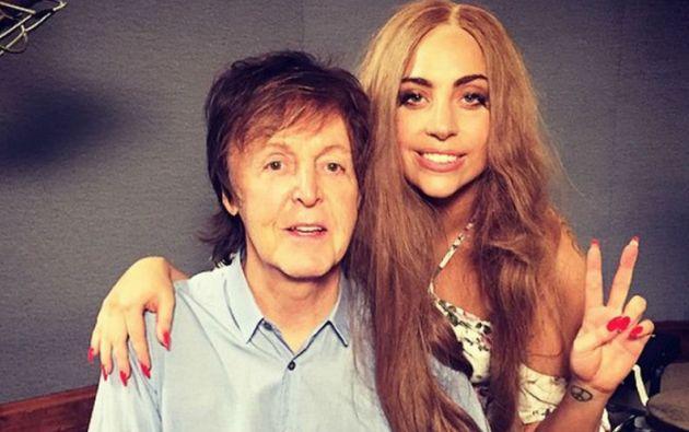 """""""He tenido una preciosa sesión con Sir Paul McCartney y otros amigos"""", escribió Lady Gaga en Instagram."""