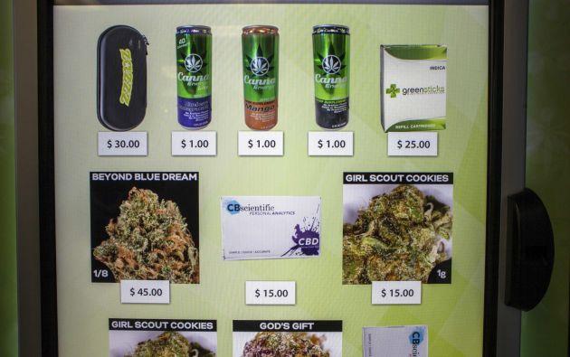 Un vistazo de las variedades de productos que ofrecen las máquinas. Foto: REUTERS