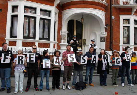 """Las autoridades británicas han negado un salvoconducto diplomático alegando """"motivos legales"""". Foto: REUTERS"""
