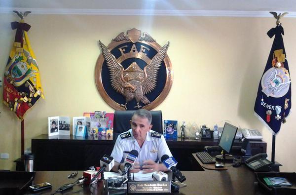 Comandante de la FAE, Raúl Banderas. Foto: Twitter