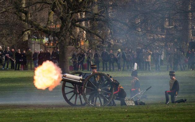 Con 41 salvas de cañón se conmemoró el aniversario. Foto: AFP