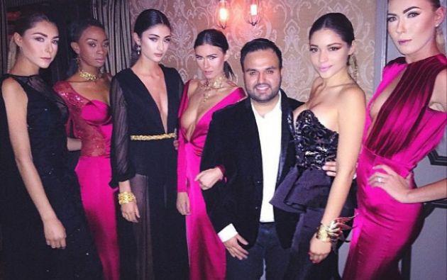 El diseñador Willfredo Gerardo posa junto a un grupo de modelos. Foto: Instagram.