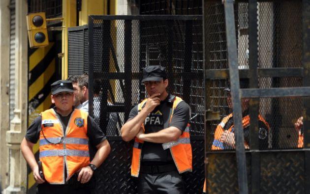 Seguridad en los exteriores del máximo tribunal. Foto: AFP