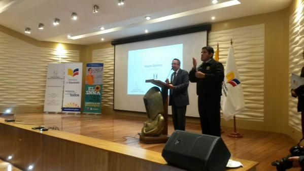 Ministro de Educación, Augusto Espinosa. Foto: Twitter
