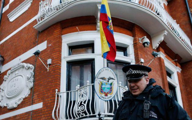 El gasto por la custodia de Assange es de 10 millones de libras (más de 15 millones de dólares). Foto: REUTERS