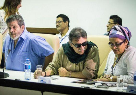Los negociadores de las FARC se reunieron con representantes del Frente Amplio por la Paz. Foto: AFP